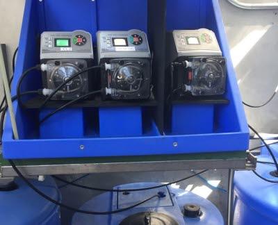 Blue-White Chemie-Dosierpumpen bei der Reinigung von Abwasser in Brauereien und Klärsystemen