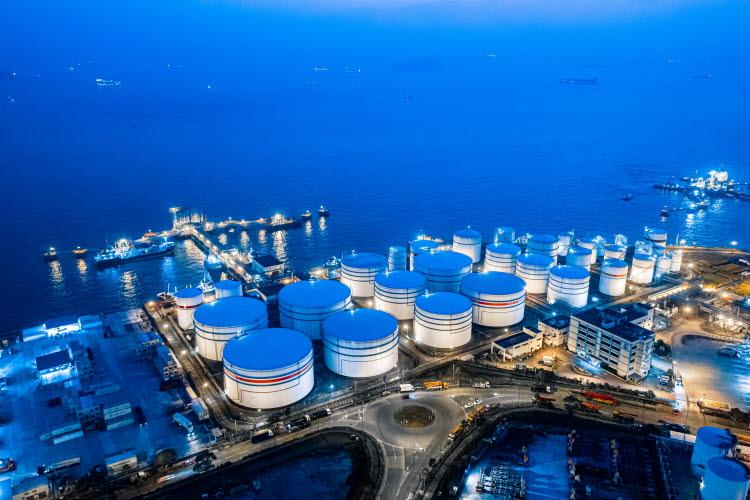 Oil product/hydrocarbon transportation and storage
